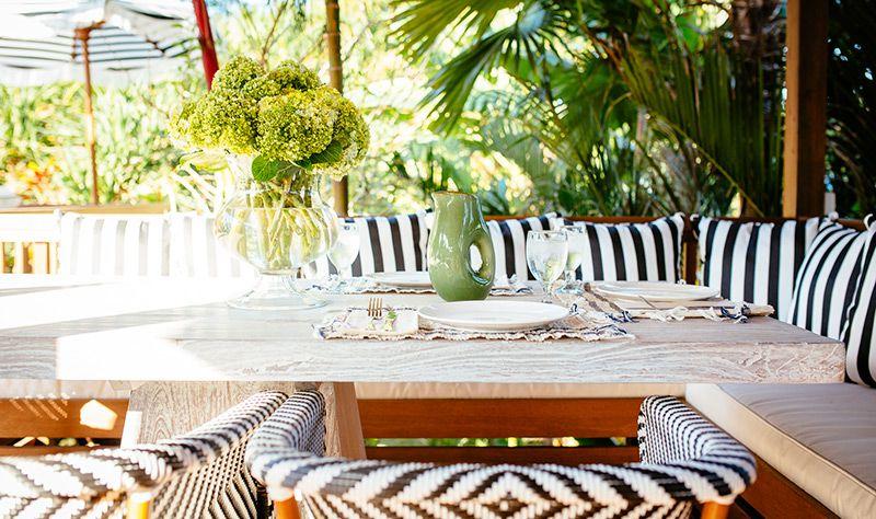 Simona-Oasis-and-Spa-Alfresco-dining