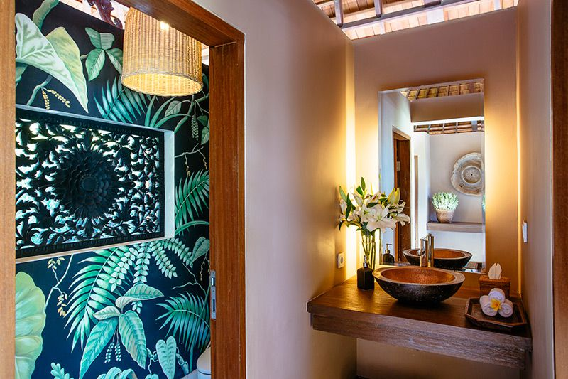 Simona-Oasis-and-Spa-Guest-lavatory