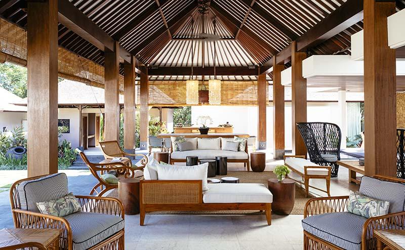 Villa-Simona-Oasis-Bar-view-of-living-and-dining