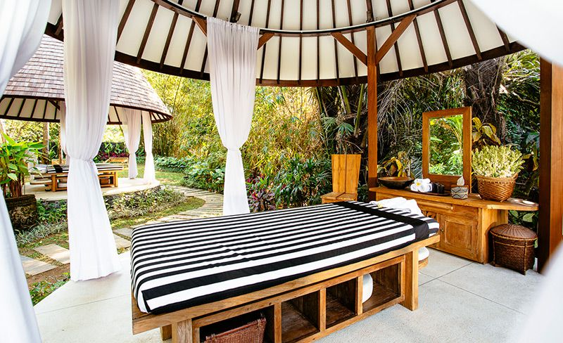 Simona-Oasis-and-Spa-Private-spa-beds